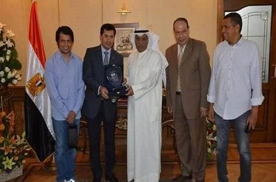 وزير الشباب والرياضة يلتقي برئيس نادي النصر الكويتي