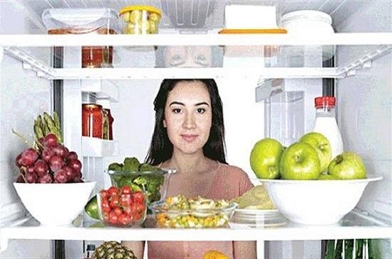 7 أطعمة لا تحتفظي بها في الثلاجة