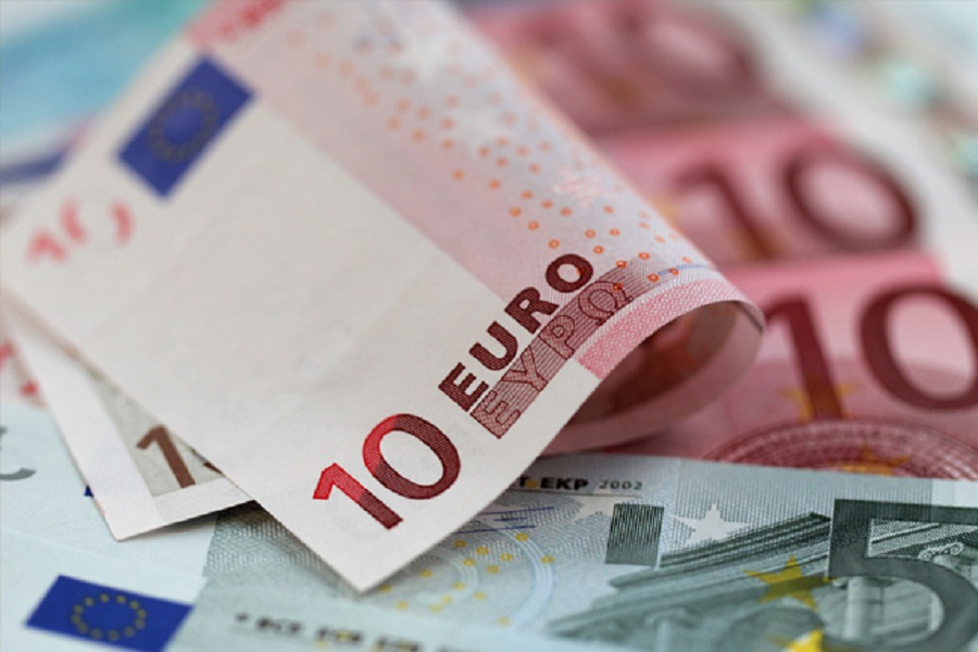 اليورو يتعافى من أدنى مستوى في 6 أسابيع