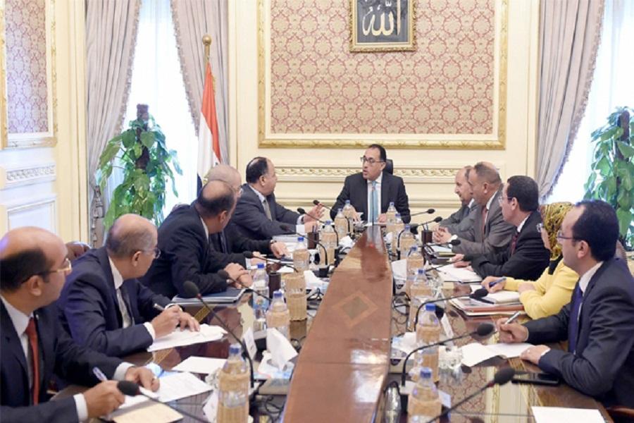 رئيس الوزراء يعقد اجتماعا لمتابعة الموقف التنفيذي لتطوير منطقة سور مجرى العيون