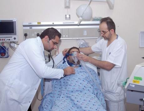 اليوم.. الإعلان عن تفاصيل خدمة 16010 إطمن الطبية لمرضى الطوارئ والرعاية المركزة والحضانات
