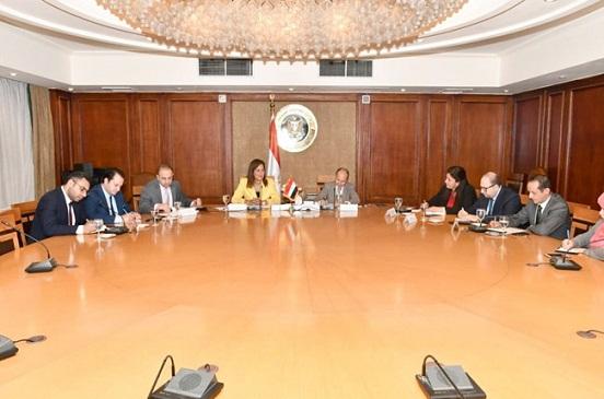 وزيرا الصناعة والتخطيط يبحثان تحسين مؤشرات الناتج الصناعى وزيادة معدلات التصدير