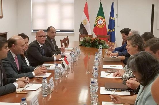 مميش يوقع مذكرة تفاهم بين موانئ سينز البرتغالية والمنطقة الاقتصادية لقناة السويس