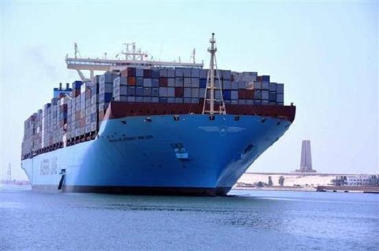 42 سفينة عبرت قناة السويس اليوم بحمولة 2 مليون و400 ألف طن