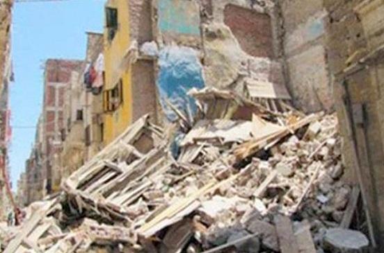 مصرع ثلاثة أشخاص في انهيار عقار بشبرا مصر