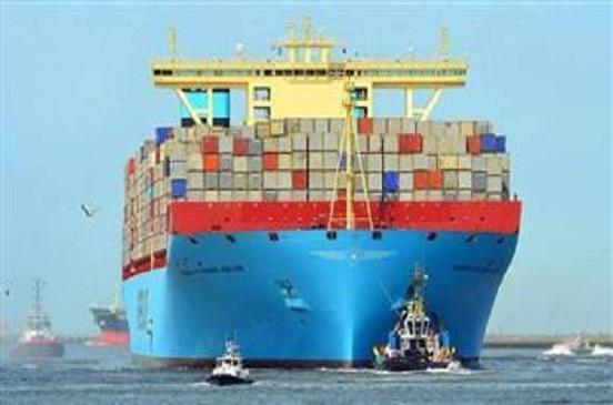 عبور46 سفينة قناة السويس بحمولة 2.8 مليون طن