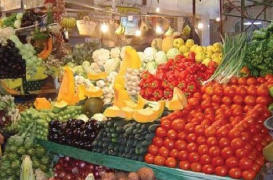 أسعار الخضراوات والفاكهة في الأسواق اليوم