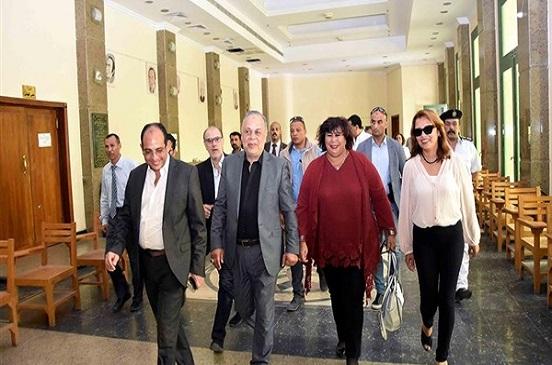 وزيرة الثقافة تتفقد مبنى معهد السينما الجديد.. وتتابع لجان القبول بالفنون المسرحية