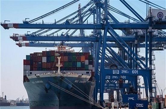 تداول 21 سفينة حاويات وبضائع عامة بميناءي بورسعيد