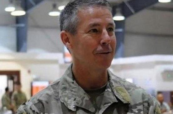 الأمريكي ميلر يتسلم قيادة قوات حلف الأطلسي بأفغانستان.. وآمال السلام ما زالت بعيدة