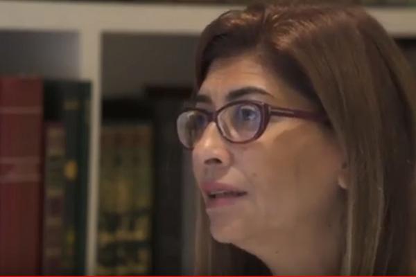 بالفيديو.. أستاذ اللغة بالجامعة اللبنانية: كاتب رواية