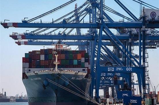 عبور 47 سفينة المجرى الملاحي لقناة السويس