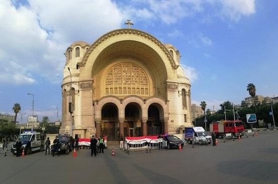 تأمين الشرطة للكنائس في القاهرة قبل احتفالات عيد الميلاد المجيد ورأس السنة