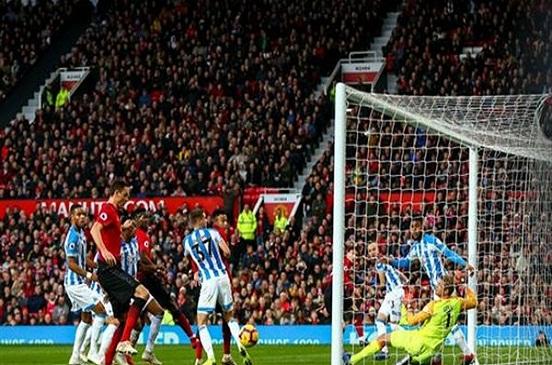 بعد رحيل مورينيو.. مانشستر يونايتد يحقق فوزه الثاني على التوالي