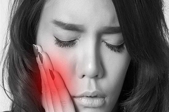 5 علاجات منزلية تقضي علي ألم تورم اللثة