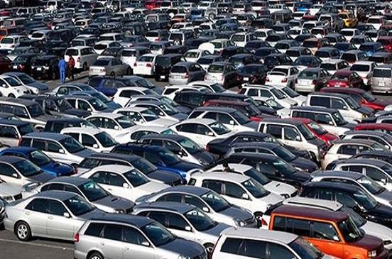 موزع يكشف حقيقة انخفاض أسعار السيارات.. فيديو