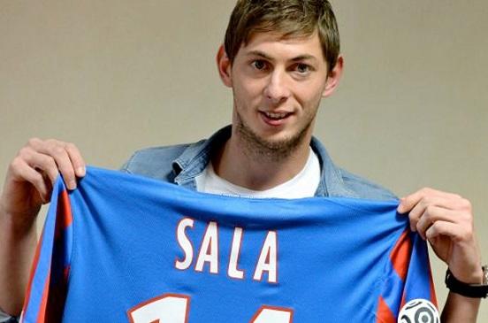 العثور على حطام طائرة لاعب كرة القدم الأرجنتيني إيميليانو سالا.. وترجيح وفاته
