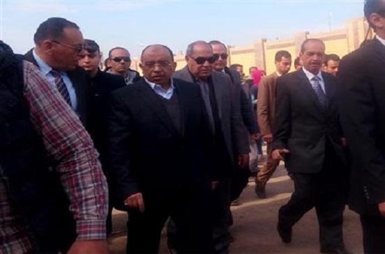 وزير التنمية المحلية ومحافظ الشرقية يتفقدان منطقة أبوحسين وكوبري شرويدة بالزقازيق