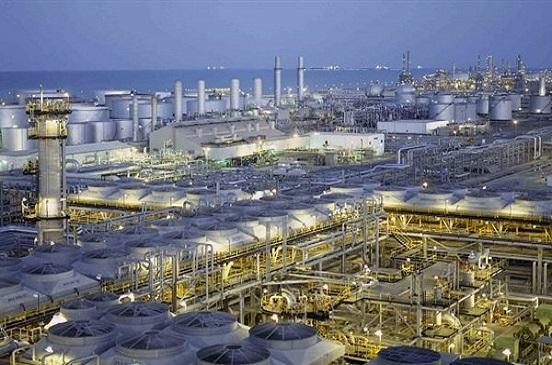 تخفيض سعر البنزين في السعودية