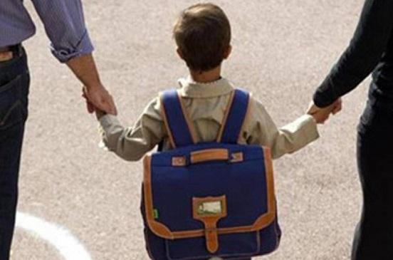 احترسي.. شنطة طفلك المدرسية مستنقع للجراثيم.. إليك الحل