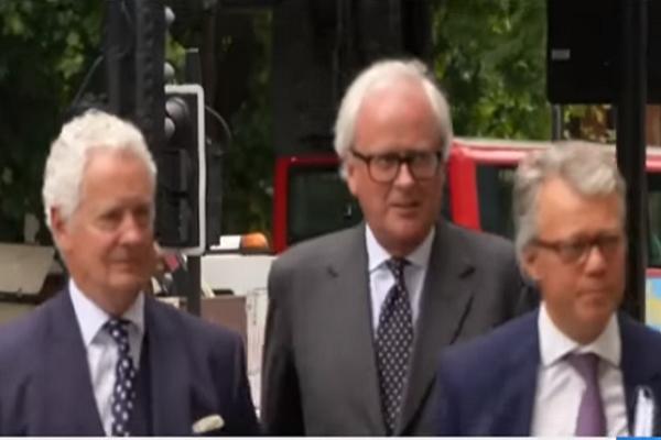 بالفيديو...قاض بريطاني يطالب بإدراج شخصيات قطرية في قضية بنك