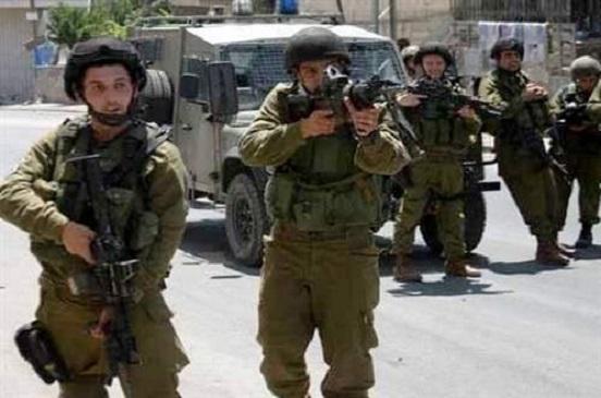 إصابة عشرات الفلسطينيين في مواجهات مع الجيش الإسرائيلي شرق قطاع غزة
