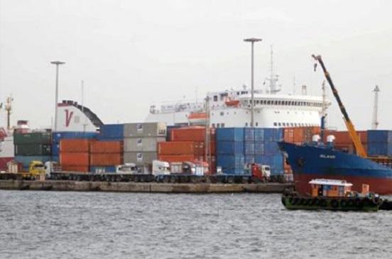 فتح بوغاز ميناءي الإسكندرية والدخيلة بعد تحسن حالة الطقس