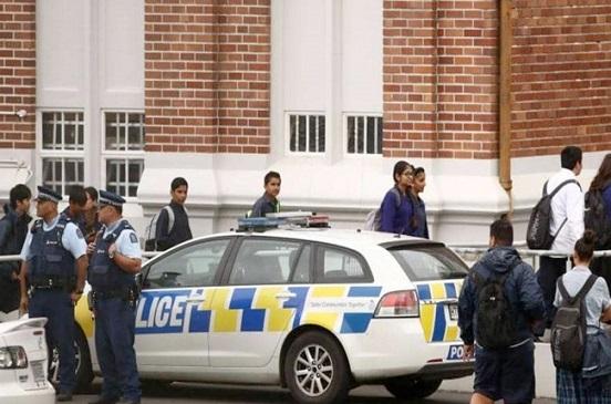 شرطة نيوزيلندا تغلق مطار