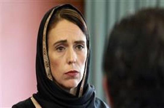 رئيسة وزراء نيوزيلندا تتحجّب تضامنا مع ذوي ضحايا المسجدين