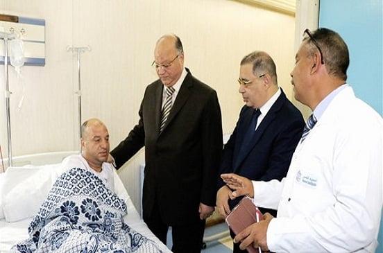 محافظ القاهرة يتفقد مصابي حادث معهد الاورام