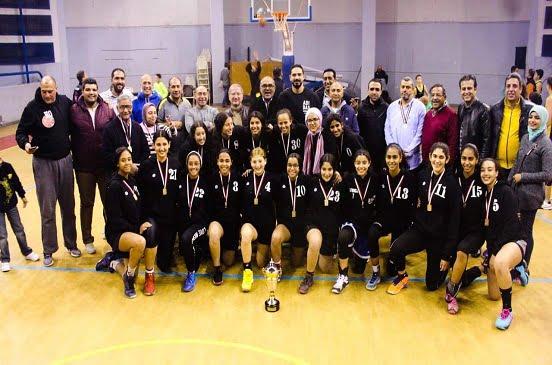 بالصور: الزهور يبحث تكريم آنسات السلة بعد الحصول على بطولة القاهرة من بين أنياب الأهلى
