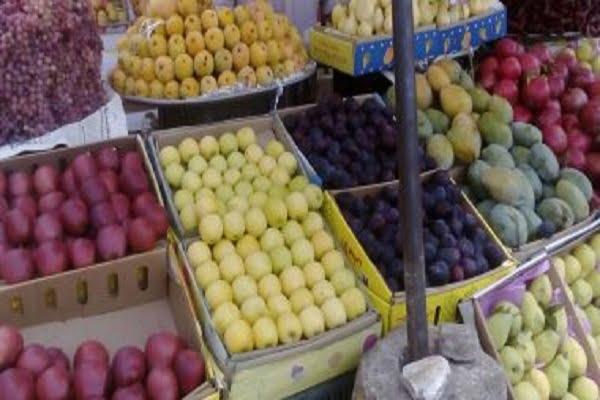 انخفضت أسعار البرتقال الصيفى، والبرتقال الصيفي، والليمون، والليمون الأضاليا، والعنب البناتي الأصفر والأحمر، والأسود، والتين البرشومي السبت الموافق 3 يوليو 2021، وارتفع التفاح المصري، والمانجو البلدي، بينما استقرت أسعار باقي أنواع الفاكهة اليوم في سوق العبور للجملة.